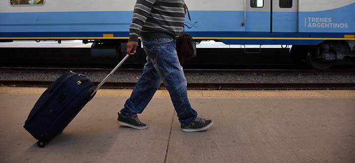 Tren: empezó el nuevo servicio y Dietrich destacó el tiempo de viaje