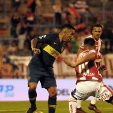 Unión le ganó a Boca y le amargó el debut a Alfaro en Mar del Plata