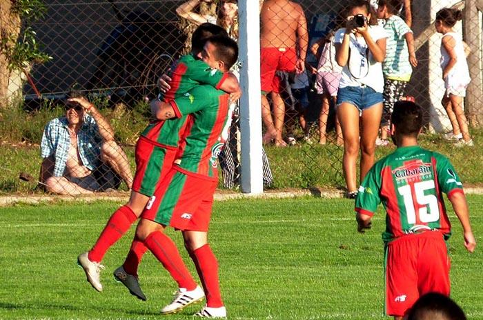 Con goles en el inicio y en el final, Círculo debutó con una victoria