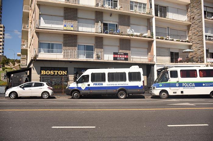 LA BOSTON  (6)
