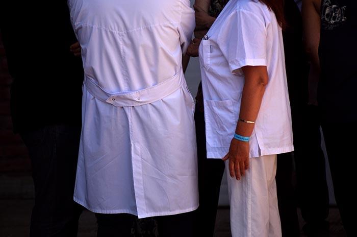Críticas de profesionales de la salud a los alcances del bono que otorgó Vidal