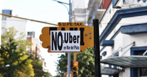 Taxistas, en estado de alerta ante la posible llegada de Uber