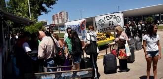 La terminal, entre el reclamo de maleteros y el enojo de turistas