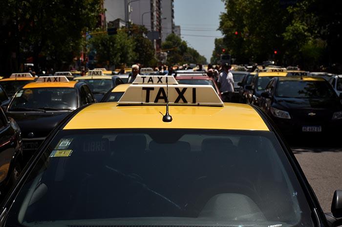Con consenso, avanza en el Concejo Deliberante el aumento de taxis y remises