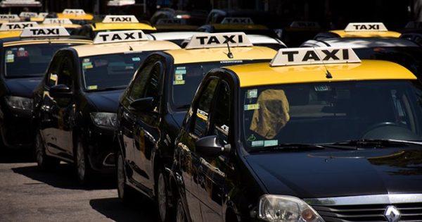 Taxis: avanza en el Concejo Deliberante el pedido de aumento desdoblado
