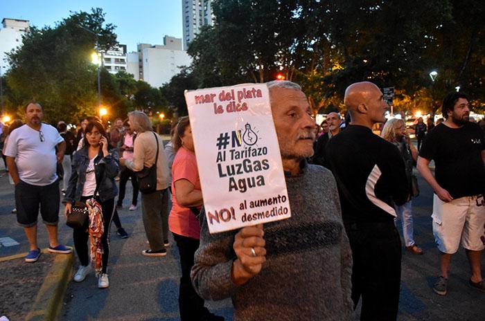 """Ruidazo en Mar del Plata: """"Que el tarifazo no nos sea indiferente"""""""