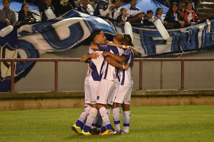 Alvarado recibe a Deportivo Madryn en busca de la final