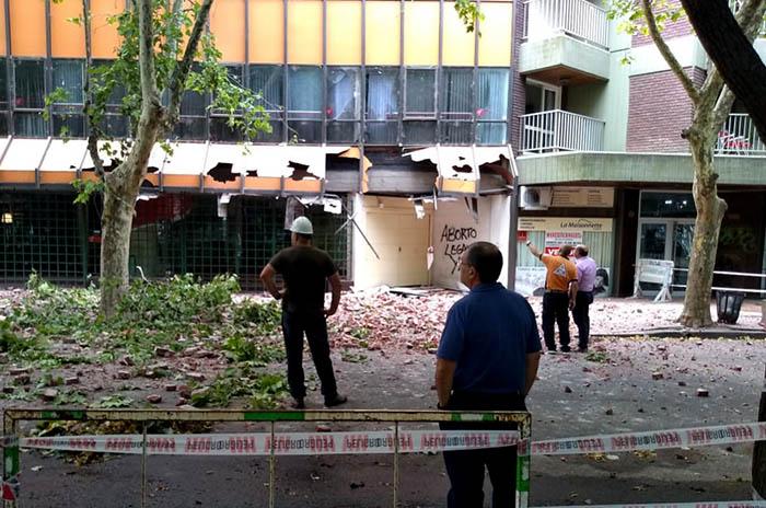 Derrumbe en el centro: siguen los trabajos en la zona