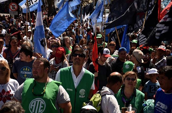 MARCHA ORGANIZACIONES SOCIALES CTEP CCC CTA AUTONOMA 05