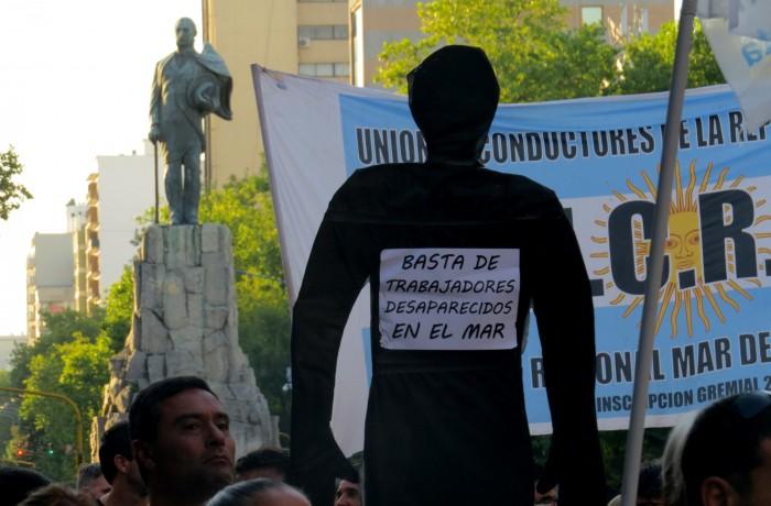 MARCHA RIGEL CENTRO NINGUN HUNDIMIENTO MAS BUZOS 04