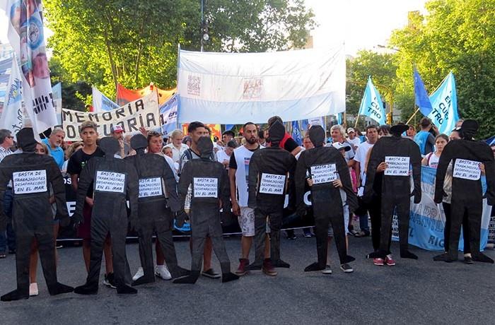 MARCHA RIGEL CENTRO NINGUN HUNDIMIENTO MAS BUZOS 09