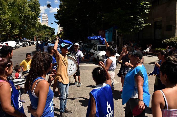 PROTESTA ORGANIZACIONES SOCIALES BARRIOS DE PIE MTR  (2)