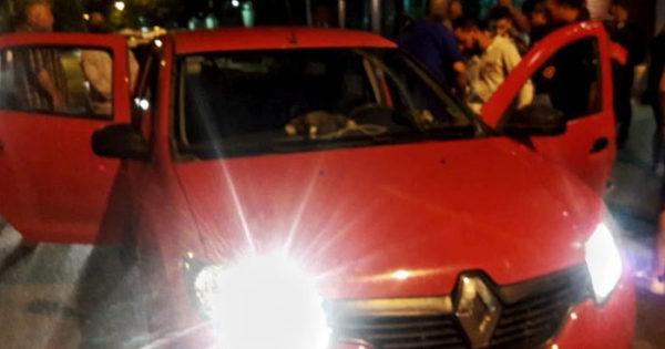 Un Uber embistió a su pasajero tras intentar huir de inspectores