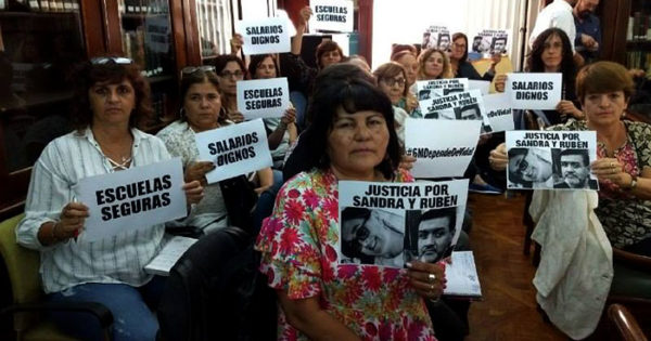 Tras la primera reunión, docentes rechazan la oferta del gobierno