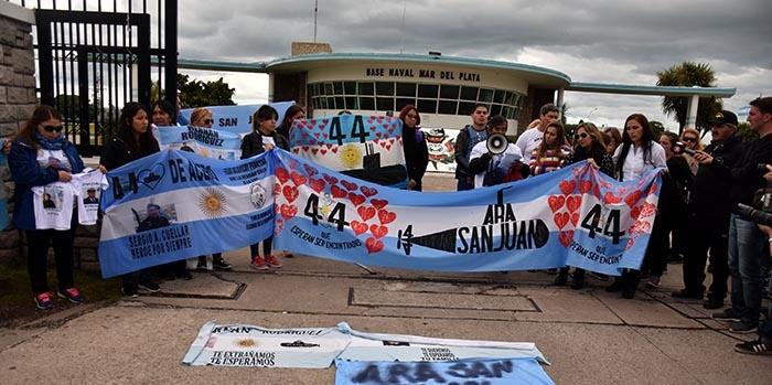 ARA San Juan: malestar de los hermanos de los tripulantes