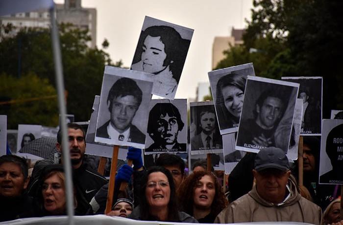 MARCHA 24 DE MARZO DESAPARECIDOS LESA HUMANIDAD DIA DE LA MEMORIA  (2)