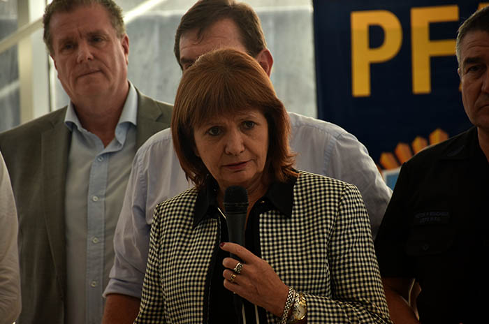 Bullrich llega a Mar del Plata para inaugurar un hangar de Prefectura