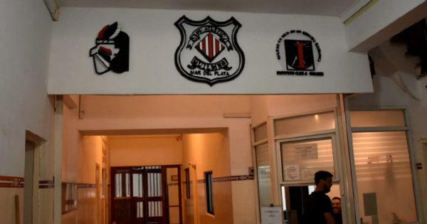 Nuevas denuncias por salarios impagos en el instituto del Club Quilmes
