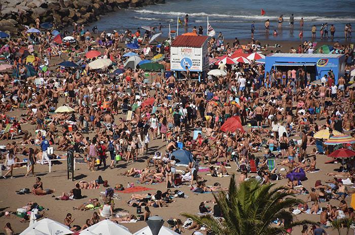 La oposición cuestiona la falta de datos oficiales sobre el turismo