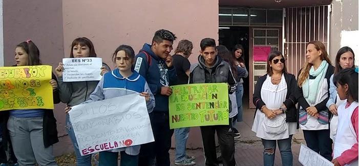Cerrito Sur: una escuela sin clases y otra que depende del clima