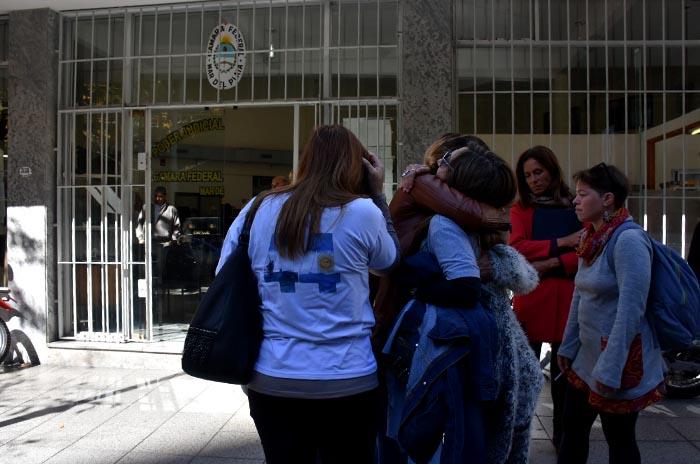 ARA San Juan: familiares observan por primera vez las imágenes