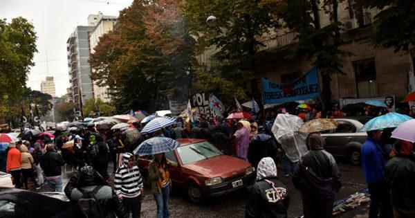 Día de protestas: organizaciones sociales preparan un acampe