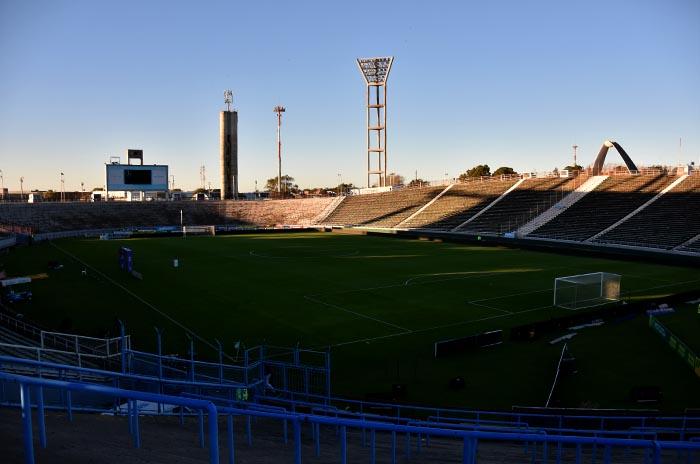 Suspenden todas las categorías del fútbol argentino por el coronavirus