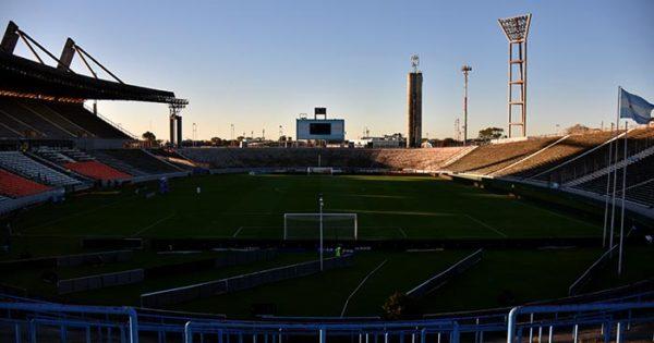 Fútbol argentino: la AFA oficializó la suspensión de los descensos y el final de la temporada