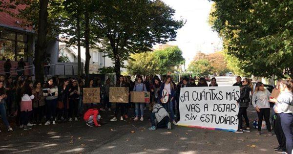 Instituto N°19: un nuevo abrazo solidario a modo de reclamo