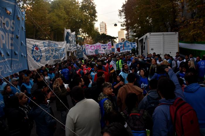 #30A: el paro general se cerró con marchas y un acto en el centro