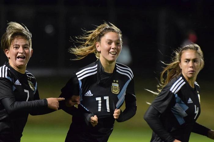 Fútbol femenino: un gol de Menéndez en el amistoso de la Selección