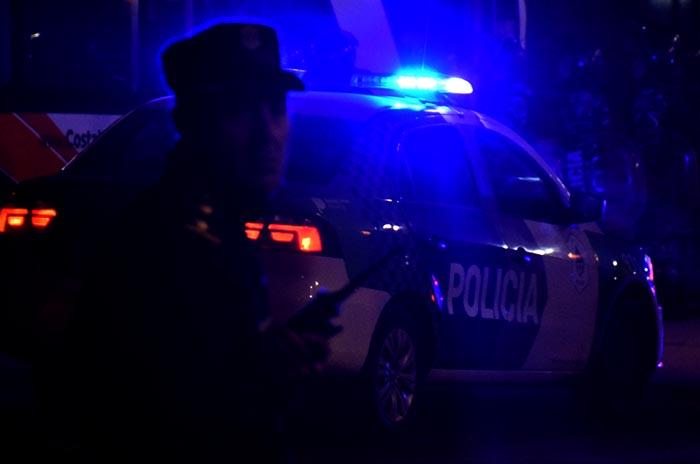 Robaron, escaparon y se escondieron en techos: 3 detenidos