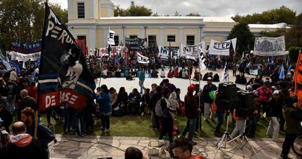 Movilización y ollas populares en Güemes contra el ajuste