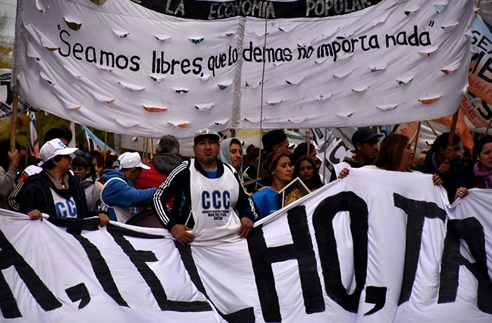 PROTESTA ORGANIZACIONES SOCIALES GUEMES PLAZA DEL AGUA 04