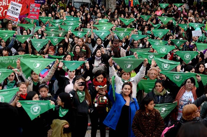 El sábado, la lucha por el aborto legal se instala en Plaza España