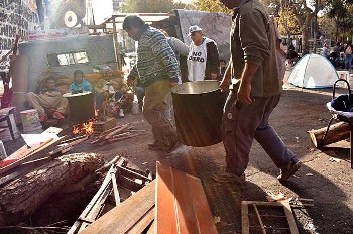 Acampe: el gobierno también pide la intervención de la Justicia de Familia