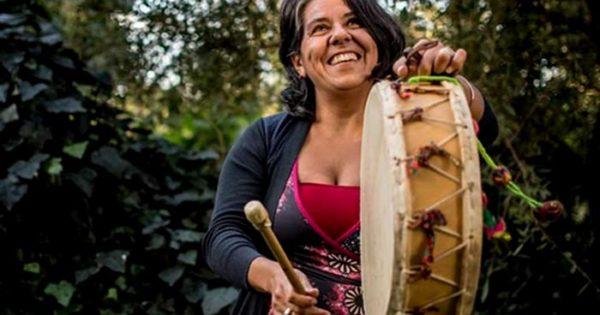Clara Cantore y Marita Moyano, juntas en una peña folclórica
