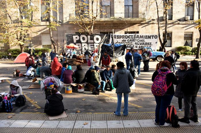 """Acampe frente a la Municipalidad por alimentos: """"No tenemos respuestas"""""""