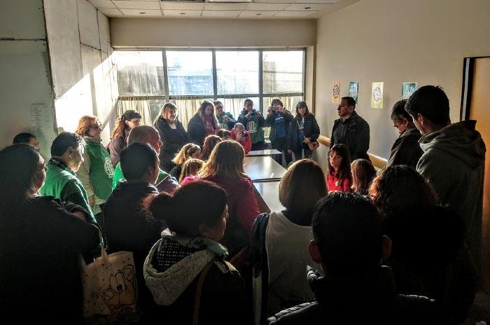 Escuelas con agua contaminada: reclamo en el Consejo Escolar