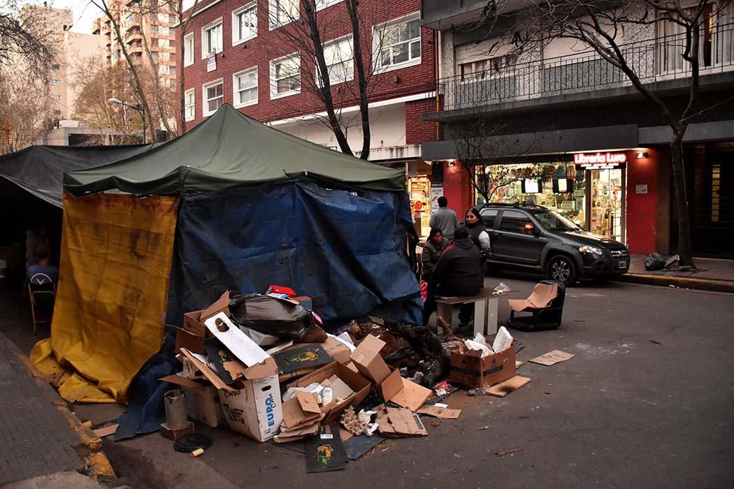 """Acampe: los comerciantes del centro, enojados por el """"abandono"""""""