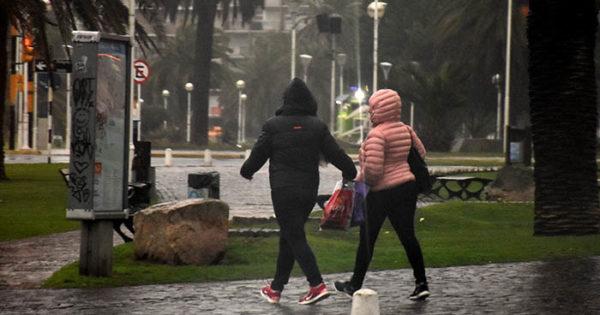Sábado con lluvia, viento y barrios sin luz en Mar del Plata