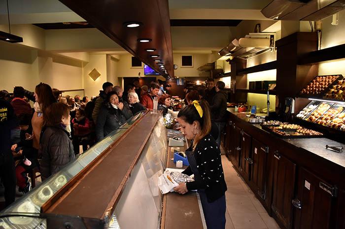 REAPERTURA CONFITERIA BOSTON CAFE  (4)