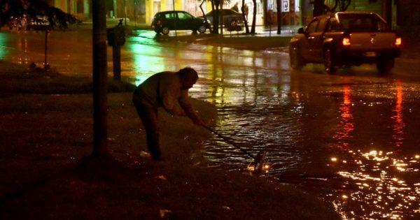 Por la tormenta, clases suspendidas  en el turno mañana en Mar del Plata