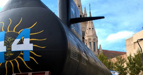 "Réplica del submarino: familiares lamentan la ""falta de respeto"""