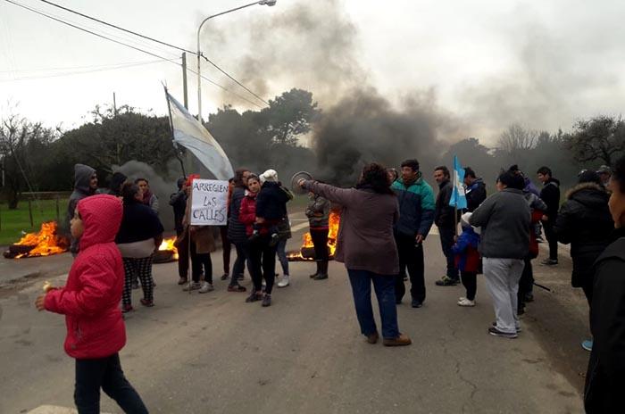 """Vecinos de La Peregrina denuncian un """"abandono total"""" de la zona"""