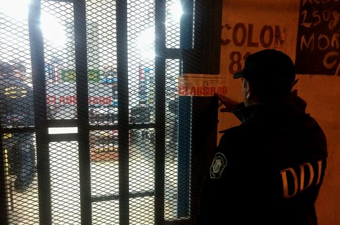Un comerciante chino amenazó y extorsionó a otro: detenido