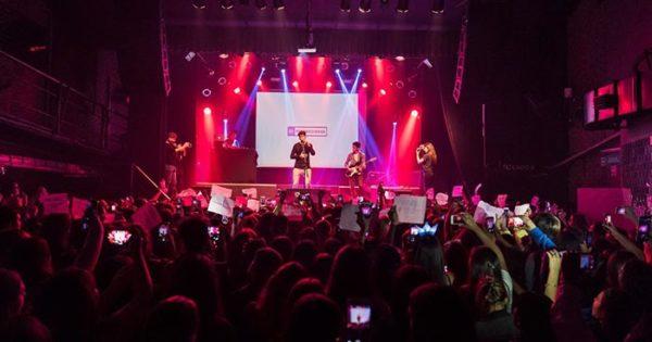 El cantante pop Sebastián Javier se presenta en Mar del Plata