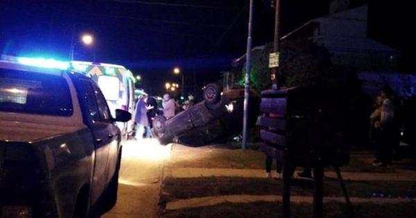 Chocó a otro auto y huyó: después se presentó en la comisaría