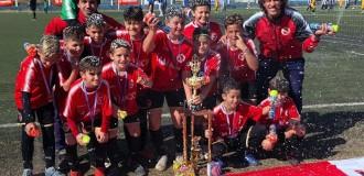Tres podios para los juveniles de Independiente en Córdoba