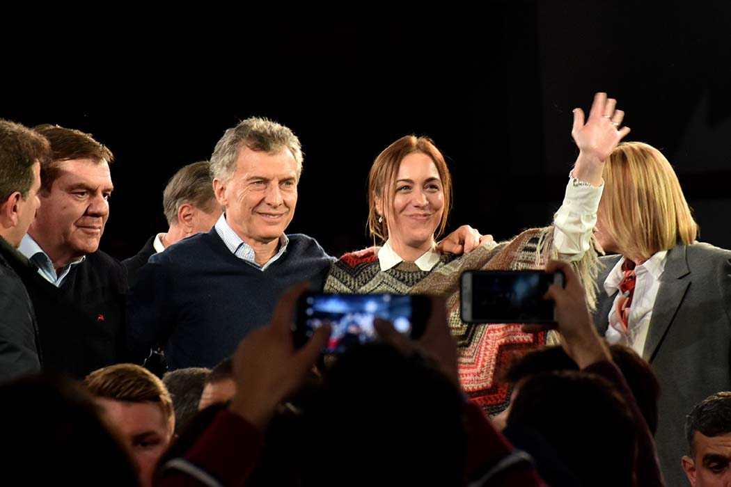 Macri y Vidal encabezaron un acto de campaña en el club Quilmes
